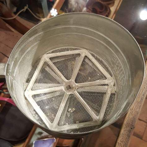 flour sifter geometry